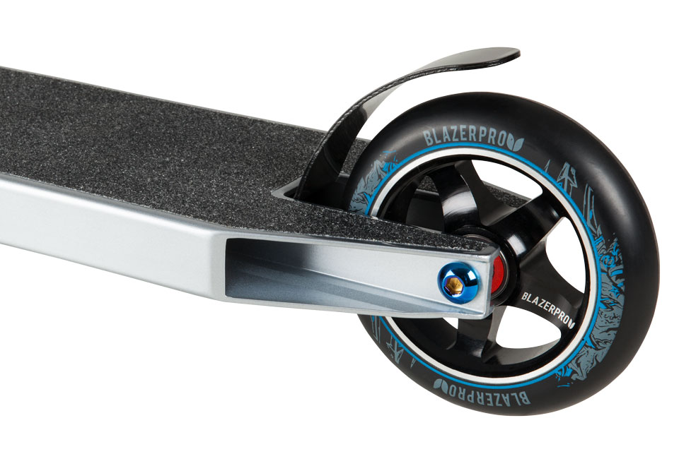 Blazer Pro Titan Series - Poseidon Scooter Wheel Detail